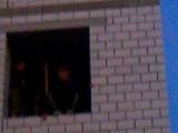 парню 13 лет спрыгнул со 2 этажа